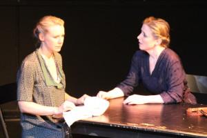 Bianca Spiegel als Hildegard Frank und Pamela Fuderer als Hanna Koch