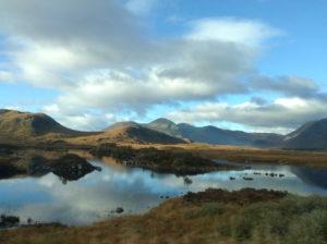 Landschaft auf dem Weg zum Glencoe.